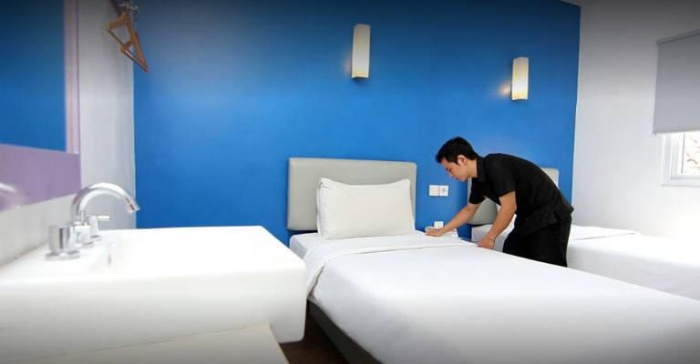 twin bed amaris diponegoro