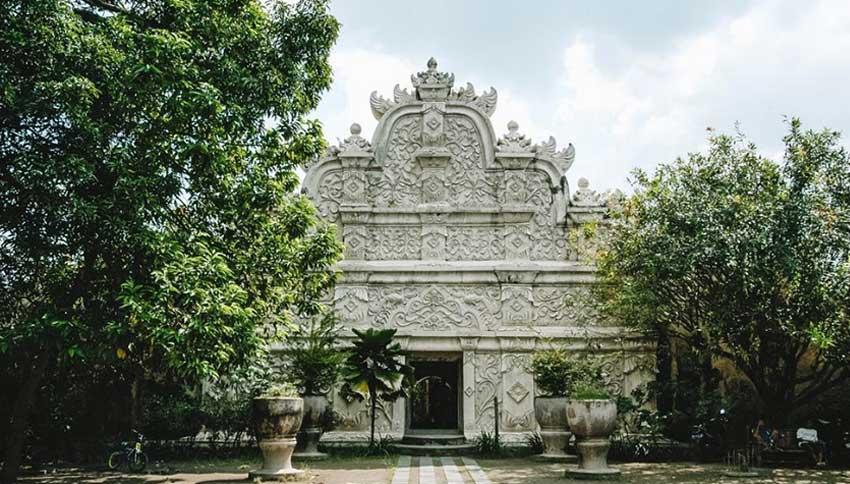 Pintu Kraton Ngayogyakarta