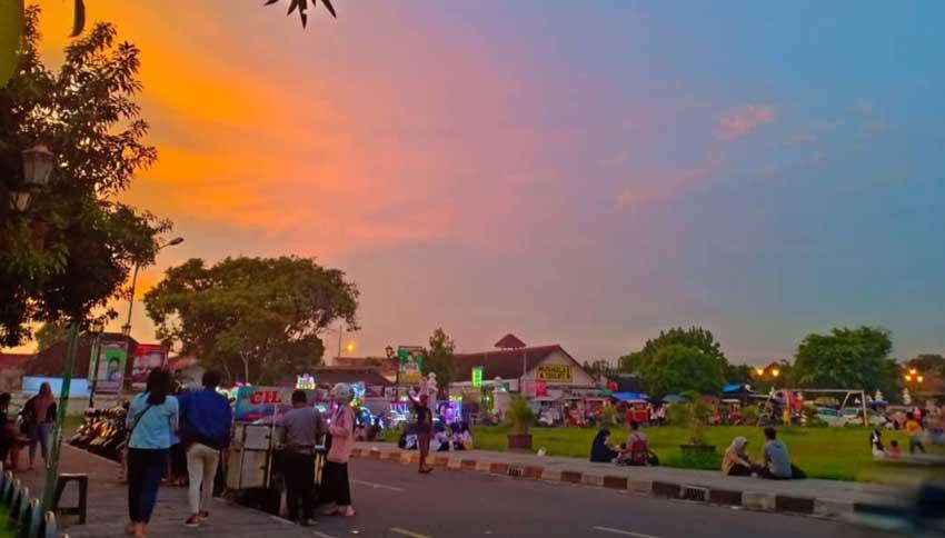 Suasana Alun Alun Kidul