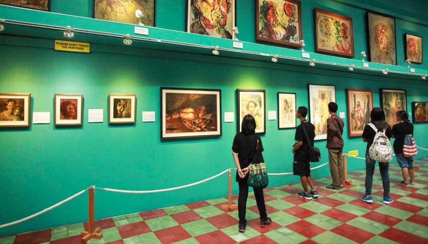 Pengunjung-di-Museum-Affandi
