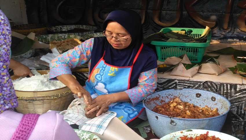 Penjual-di-Pasar-Beringharjo