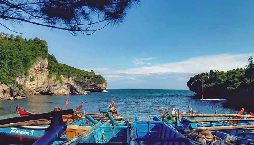 Kapal Nelayan Pantai Drini