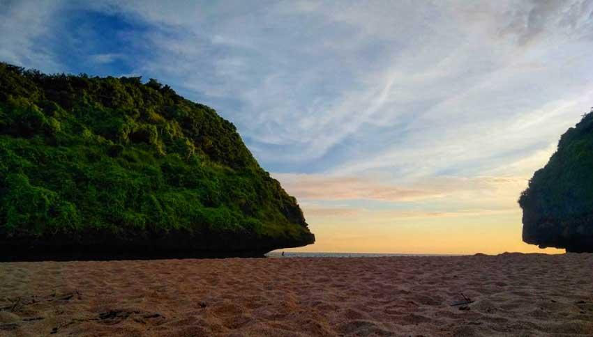 Pantai Greweng Sore Hari