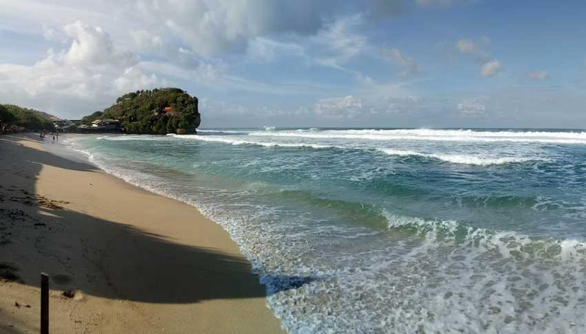 Pemandangan Alam Pantai Sepanjang