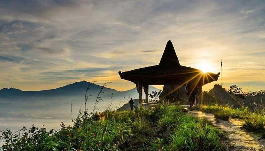 Spot Foto Puncak Suroloyo