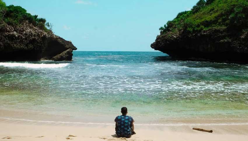 Suasana Alam Pantai Sedahan