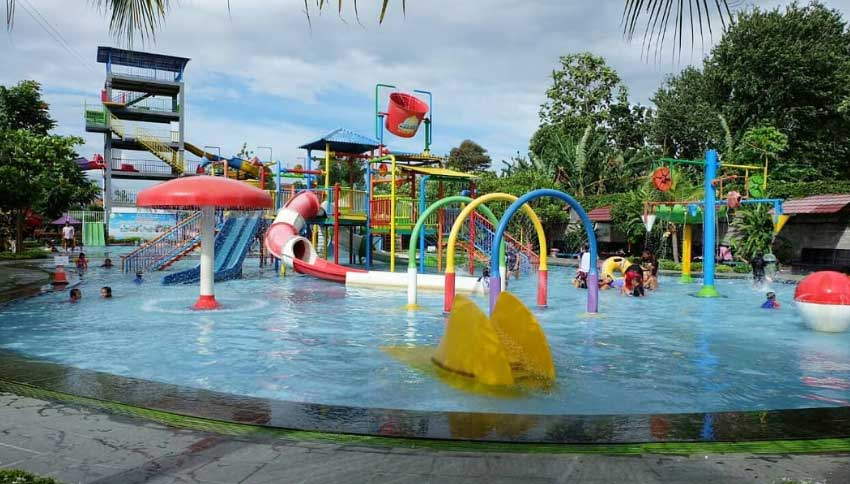 Wisata Air Galaxy Waterpark