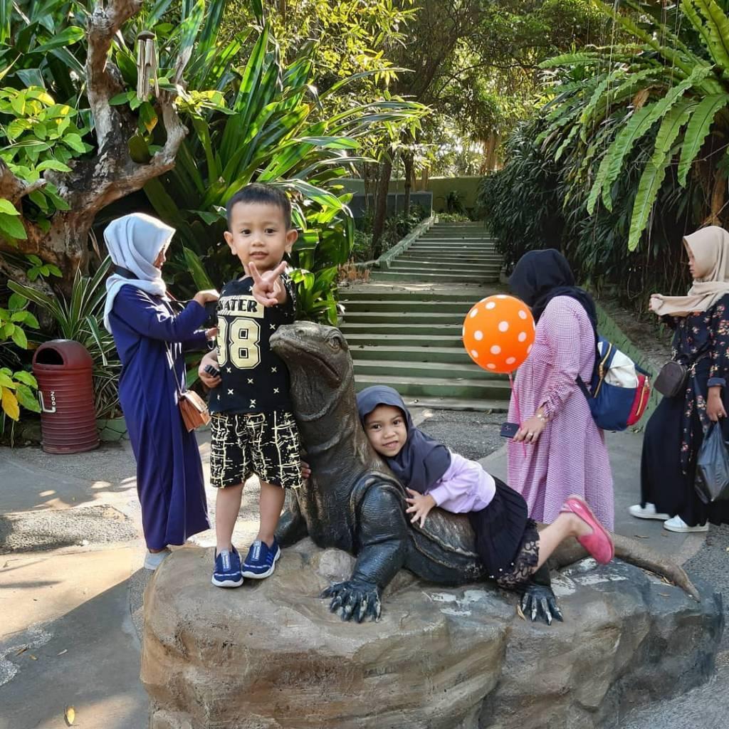 Fasilitas Kebun Binatang @intan130213